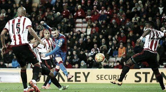 Above: Connor Wickham shoots in Sunderland's 2-2 draw with Crystal Palace  image source: Sky Sports