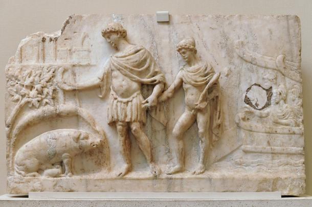 """""""Aeneas Latium"""". Eneas y su hijo Ascanio, junto a la cerda blanca donde se fundará Roma (140-150 d.C.). British Museum. PD."""