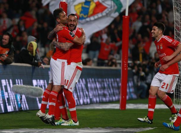 Mitroglou bisou, enquanto Jonas marcou de grande penalidade // Foto: Facebook do SL Benfica