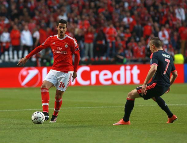 André Almeida evoluiu muito esta época ao serviço do Benfica // Foto: Facebook do SL Benfica