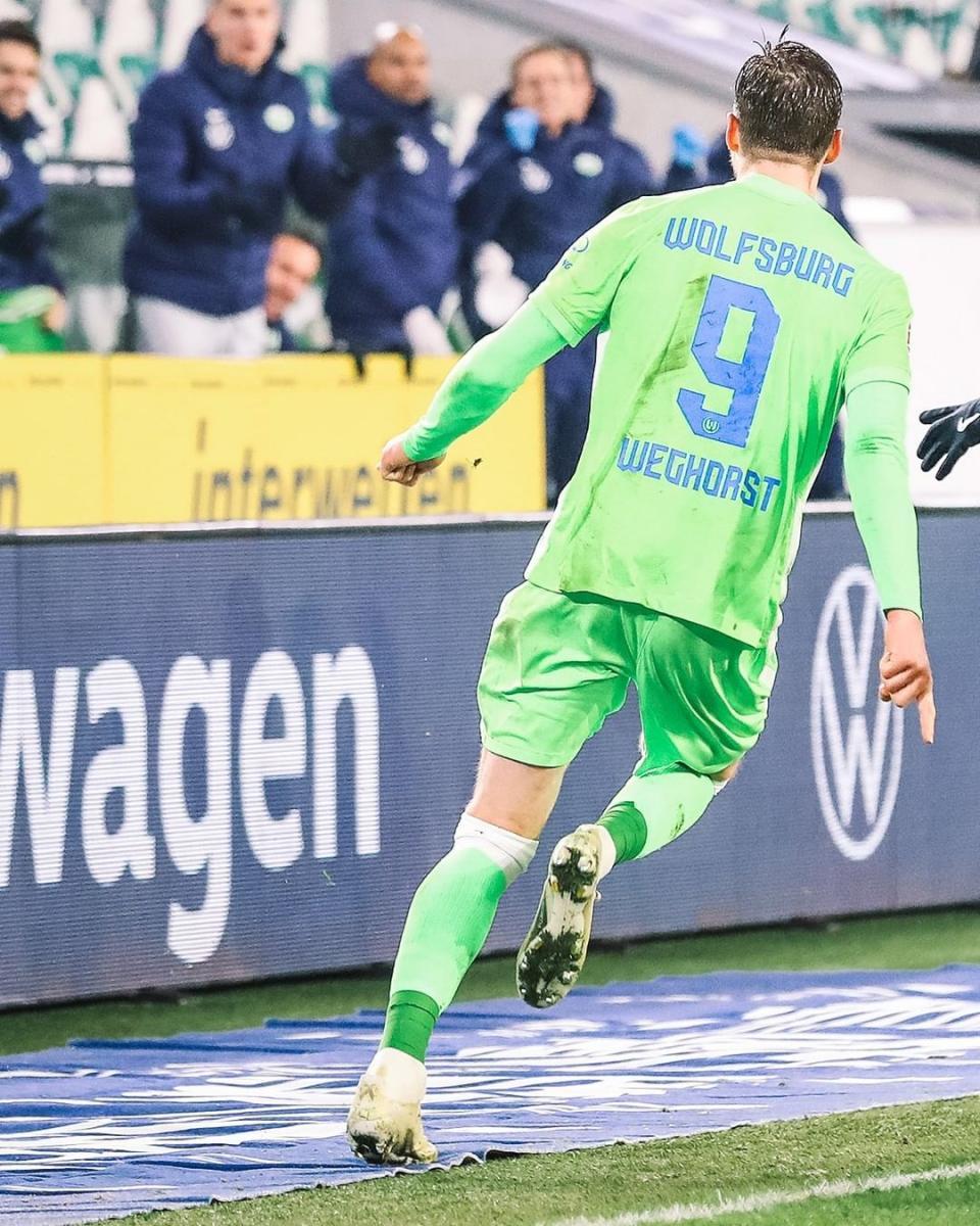 Wout Wehgorst festejando su segundo gol en el encuentro | Foto: @vfl.wolfsburg
