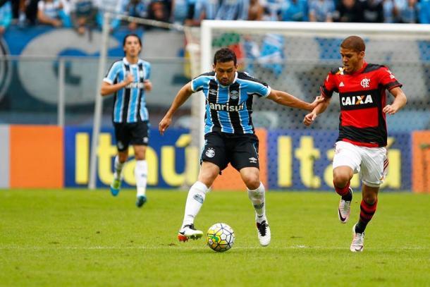 Estreante do dia, Edilson foi elogiado por Roger Machado pela postura dentro de campo (Foto: Divulgação/Grêmio)