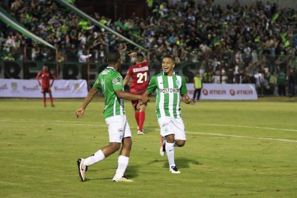 Macnelly Torres refleja la alegría en la celebración del gol de Ibargüen. | Foto: Atlético Nacional