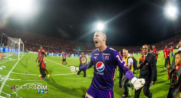 David González, arquero del DIM, atajó el penalti que le dio el paso a la final a su equipo.