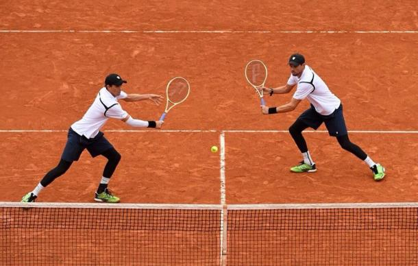 The Bryan Brothers in action at Roland Garros (image via: ATP)