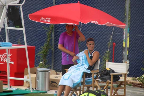 Puig neede a break after a long, grueling first set: Photo Source/Mallorca Open Facebook Page