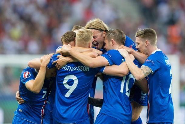 A Islândia fez História neste Europeu ao estrear-se em fases finais, e mais histórica é esta participação com a passagem aos quartos de final // Foto: Facebook UEFA EURO 2016