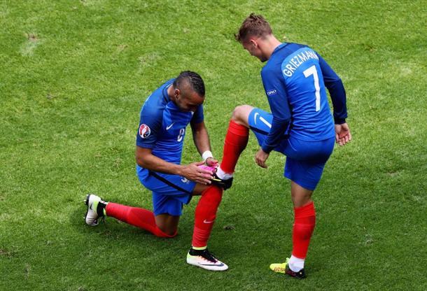 Payet e Griezmann festejando o golo do empate | Foto: Facebook Euro 2016