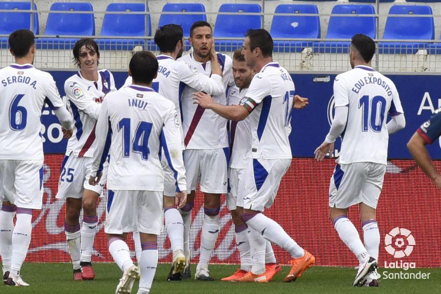 Burgos, una garantía en las dos áreas. Foto: La Liga.