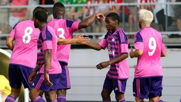 Celebrating victory. | Photo: SAFC