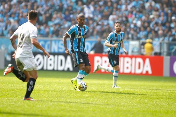 Walace abriu o placar para o Grêmio na primeira etapa (Foto: Divulgação/Grêmio)