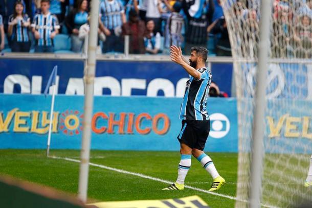 Douglas marcou o gol que deu a vitória ao Grêmio, na Arena (Foto: Divulgação/Grêmio)