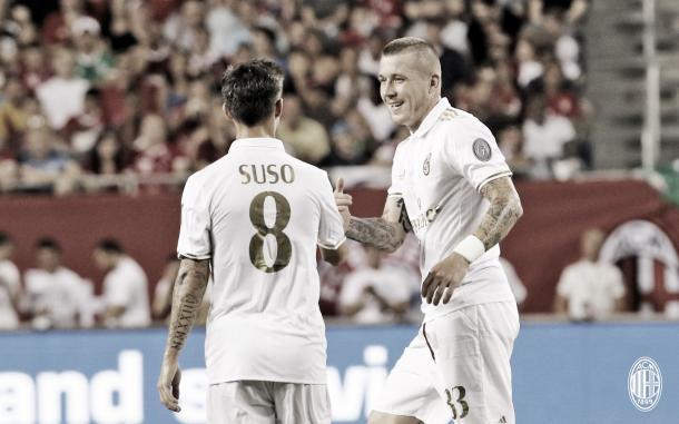 Kucka e Suso são dois destaques da equipe, nesta pré-temporada (Foto: divulgação/AC Milan)
