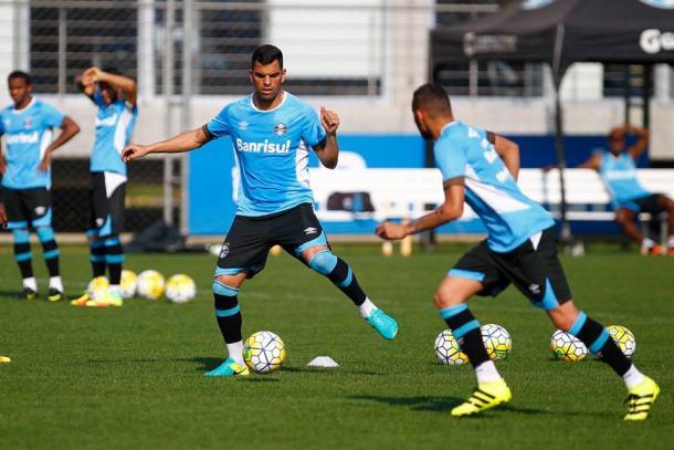 Maicon treinou normalmente (Foto: Lucas Uebel/Grêmio)