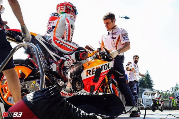 Preparing for FP4 after making changes - www.facebook.com (Marc Marquez)