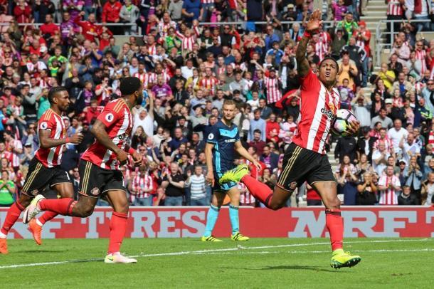 Patrick van Aanholt celebrating his goal. | Photo: Sunderland AFC