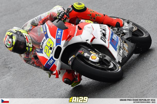 Iannone in action at the Czech GP - www.facebook.com (Andrea Iannone)