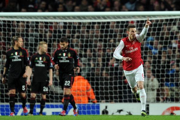 Koscielny marcou o primeiro gol do Arsenal na partida de volta, em Londres (Foto: Adrian Dennis/AFP)