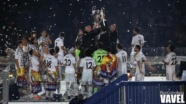 Zidane y Ancellotti levantando la Décima I Foto: ApoCaballero