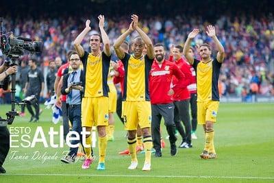 Celebración de los jugadores del Atlético de Madrdi tras coronarse como ganadores de Liga en el Camp Nou en la temporada 2013/14. / Fuente: Flickr VAVEL España