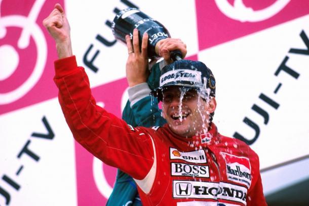 Senna celebrando su primer Campeonato del mundo (Fuente: F1)