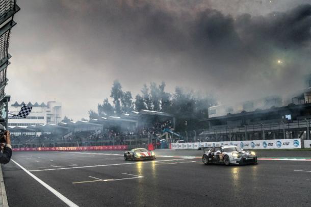 Porsche vence na GTE-AM. (Foto: Adernalmedia)