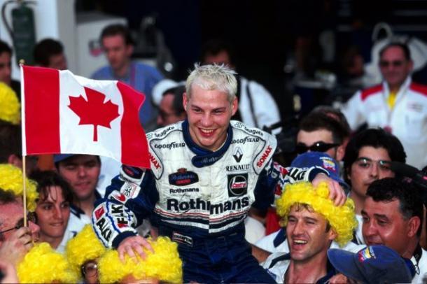 Jacques Villeneuve celebra su campeonato en Jerez | Fuente: www.formula1.com