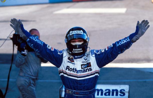 Damon Hill celebra su mundial en el Gran Premio de Japón de 1996 | Fuente: www.formula1.com