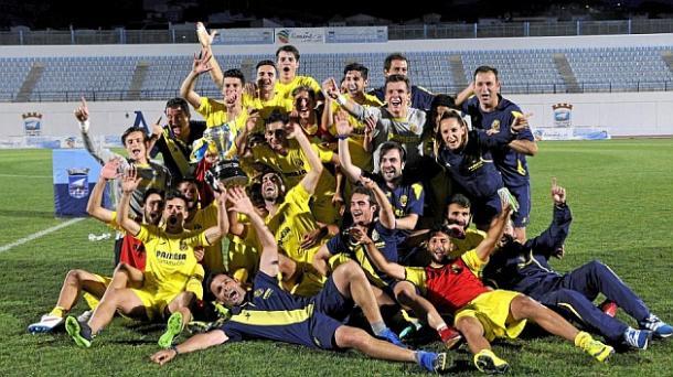 El Juvenil A de la pasada temporada celebrando la Copa de Campeones | Foto: MARCA