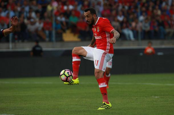 Mitroglou viu o seu primeiro tento anulado // Foto: Facebook do SL Benfica