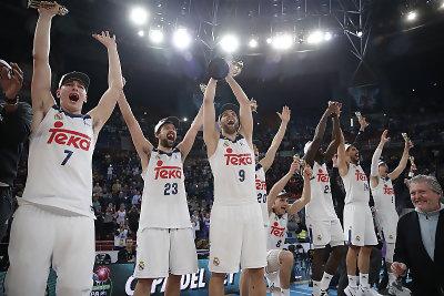 Celebración del título del Real Madrid en Vitoria '17. / Foto: ACB.com