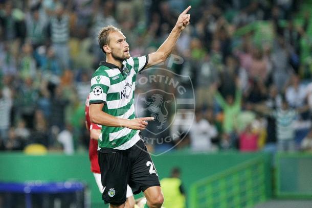 Bas Dost já comemorou 4 tiros certeiros // Foto: Facebook do Sporting CP
