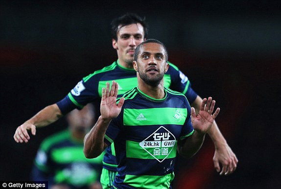 Routledge celebrates his equaliser. | Photo: Getty