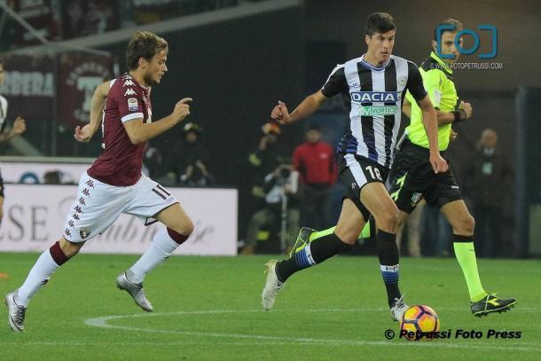 Perica in azione nel match dell'andata. Fonte: www.facebook.com/UdineseCalcio1896