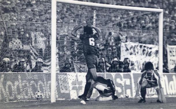 El capitán celebra el gol (foto:sport)