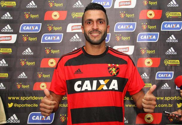 Defensor já está apto para estrear pelo Leão após assinar por dois anos e meio (Foto: Williams Aguiar/Sport)