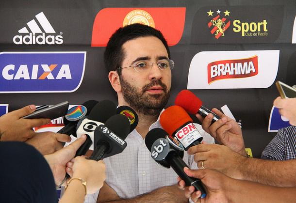 Executivo de futebol rubro-negro esclarece negócio firmado com chileno (Foto: Williams Aguiar/Sport)