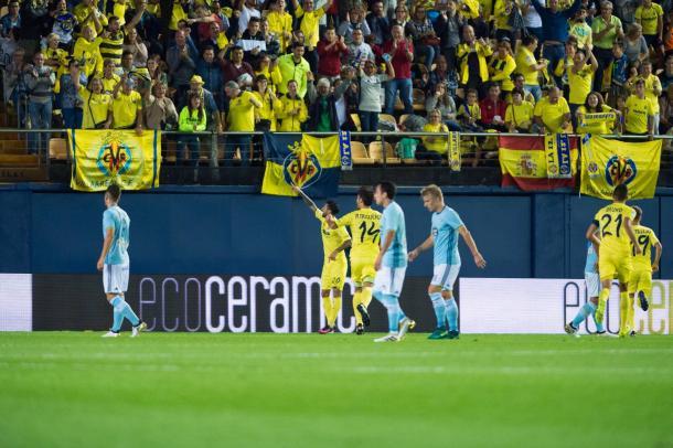 Roberto Soriano en el primer gol | Foto: Silvestre Szpylma (VAVEL España)