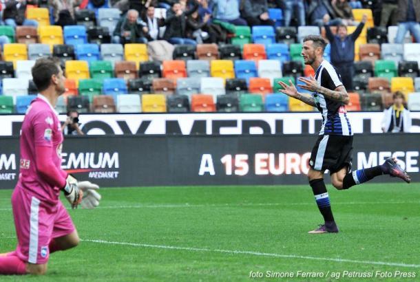 L'esultanza di un incontenibile Thereau. Fonte: www.facebook.com/UdineseCalcio1896
