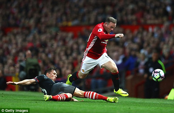 Above: Manchester United captain Wayne Rooney in action during their 2-0 win over Southampton | Photo: Getty Images