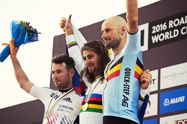 Tres campeones del mundo en el podium | Foto: Pauline Ballet (UCI)