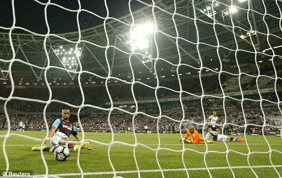 Above: Filipe Teixeira slotting home his goal in West Ham's 1-0 defeat to Astra Giurgiu | Photo: Reuters
