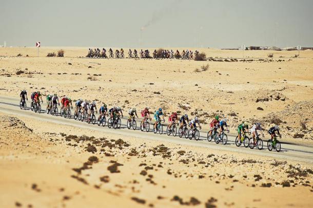 El viento rompió la carrera en mil pedazos | Foto: UCI