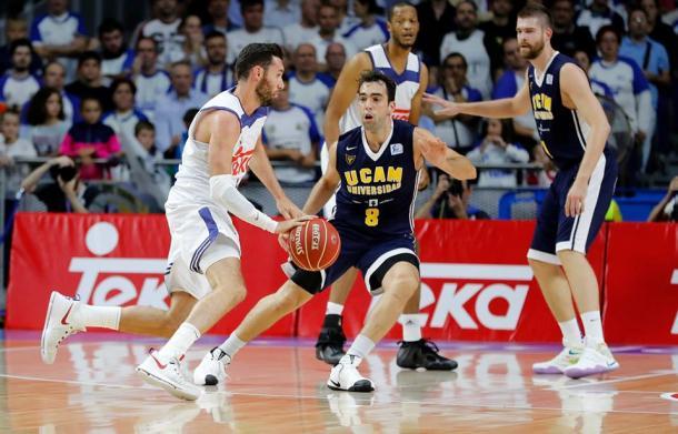 Rudy encarando a Benite (ACB.com)