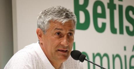Quique Setién en rueda de prensa | Foto: Real Betis Balompié