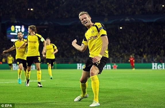 Schurrle celebrando un gol | Fuente: Borussia Dormund