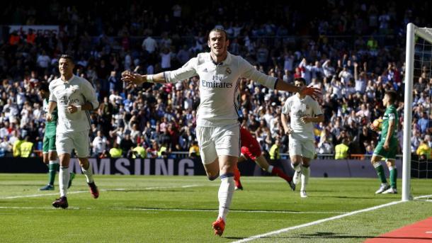 Gareth Bale esulta dopo la doppietta rifilata al Leganes