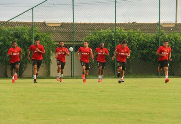 Elenco leonino realizou treino físico na reapresentação visando o Cruzeiro (Foto: Williams Aguiar/Sport)