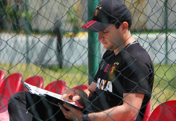 Daniel deve ter todo o elenco a disposição. (Foto Williams Aguiar/ Sport Club do Recife)