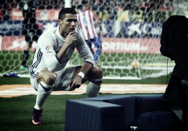 Cristiano celebrando el 0-2 ante las cámaras | Foto: Reuters